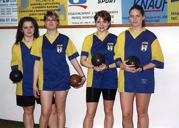 Úspěšné družstvo dorostenek — bronzové v 1.KLDD!!! R. Mlejnková, P. Abelová, M. Břicháčková, J. Kremličková